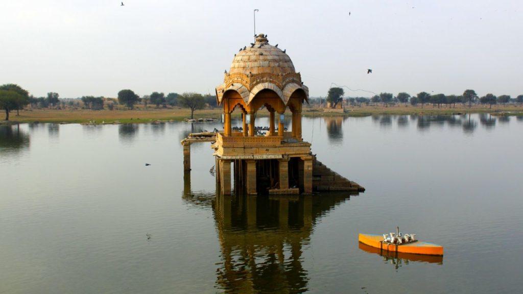 Boating-at-Ana-Sagar-Lake