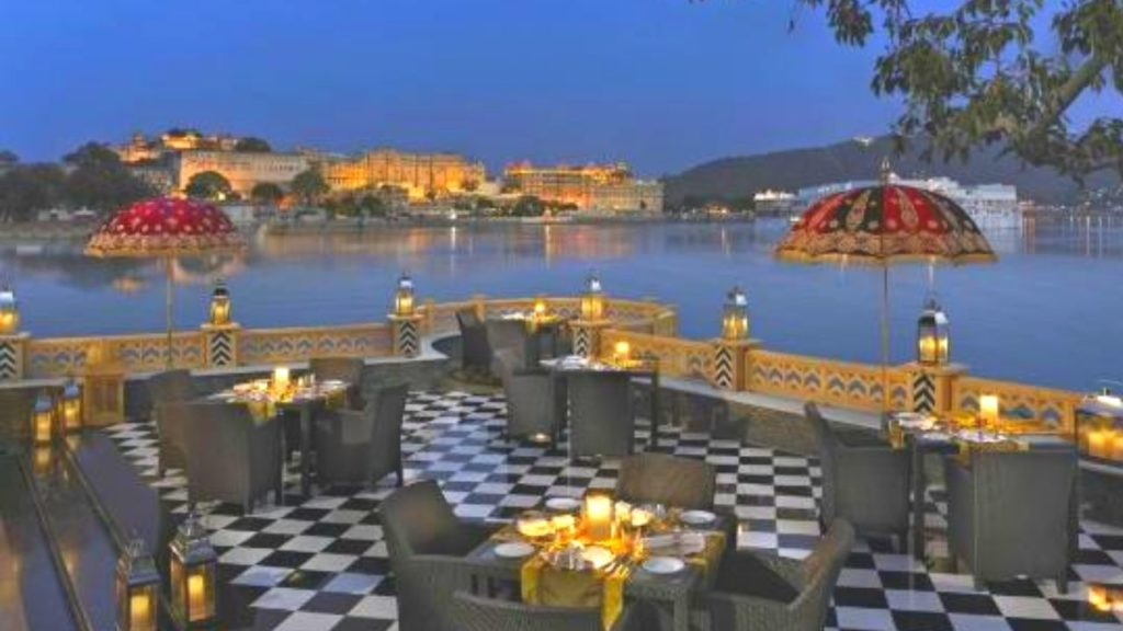 Dine-in Royalty at Sheesh Mahal