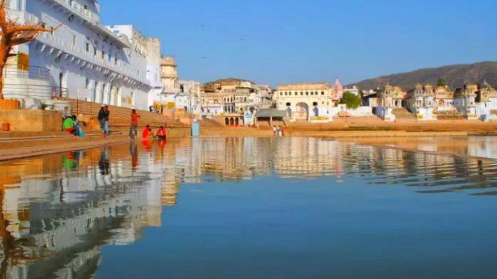 Holy dip at Ghats of Pushkar