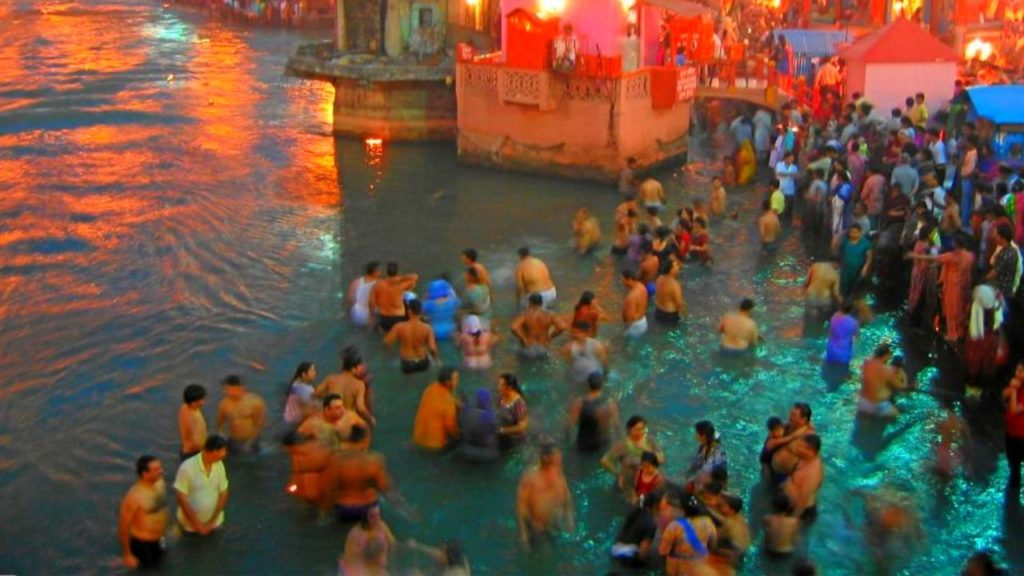 Take a Holy Bath at Har Ki Pauri Ghat
