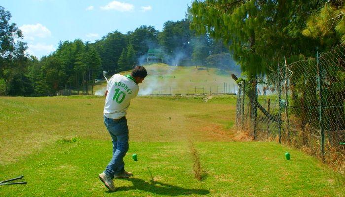 Golfing at Naldhera